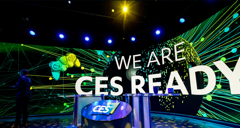 Behind the scenes of the CES 2021 anchor desk © CES 2021
