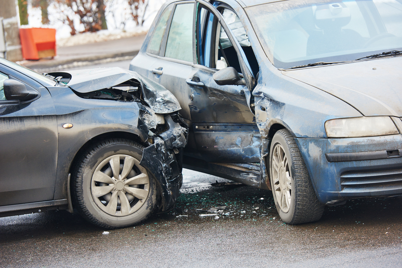Road deaths Vehicle to Everything (© Dmitry Kalinovsky | Dreamstime.com)