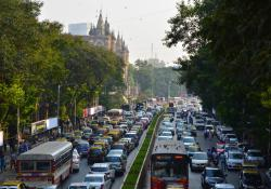 Mumbai traffic Photo 105782742 © Eternitypics7 - Dreamstime.com
