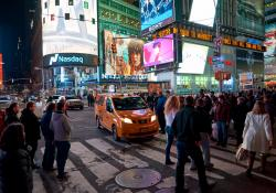 GHSA says most US pedestrian deaths occur at night © Tea|Dreamstime.com