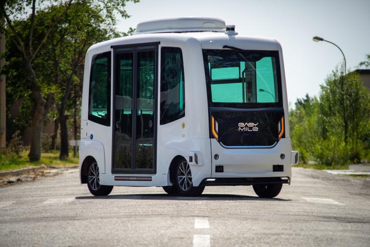 Kelride EasyMile shuttle Via Department of Traffic System Planning P3 weather-proof autonomous vehicles Germany